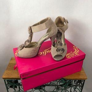 Candie's Peep-toe Heels